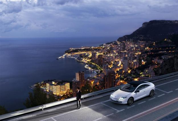 Renault-Lagunda-Coupe-Monaco-GP_Image-02-1024